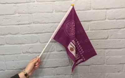 手拿旗又可當做宣傳旗使用